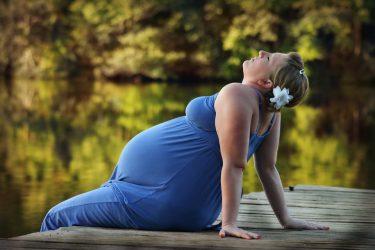 Je suis enceinte et en surpoids, cela peut-il provoquer des complications durant ma grossesse